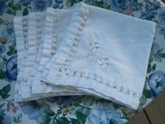 Vintage White Cloth Napkins Set of Four Cloth Napkins, Napkins Set, Beverage Napkins, Dinner Napkins, Selling On Ebay, White Cotton, Lily, Tableware, Vintage