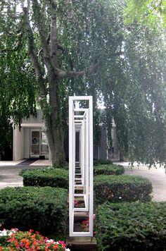 Front entrance of Eero Saarinen's Miller House — in Columbus, IN.