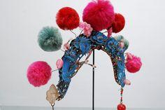 Heringa/Van Kalsbeek aan het werk in TextielLab voor de collectie van het TextielMuseum