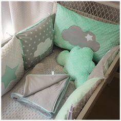 Tour de lit bébé carré étoile nuage vert d'eau blanc et gris
