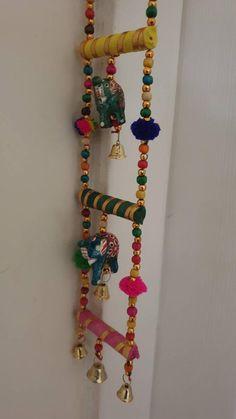 Diy Crafts Hacks, Diy Crafts For Gifts, Diy Home Crafts, Diwali Diy, Diwali Craft, Door Hanging Decorations, Flower Decorations, Diwali Decoration Items, Creative Money Gifts