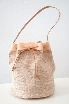 *Helle Schultertasche mit Lederboden* von MICOU auf DaWanda.com
