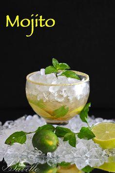 Mojito | BavetteIngredientes 12 Hojas de hierbabuenacon tallo El zumo de 1/2 lima 1 cucharada sopera de Azúcar moreno o blanquilla Hielo pilé (hielo picado) 50 ml Ron blanco de calidad Soda o agua con gas.