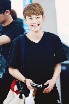 chen ♥♥ look at that smile though. In love haaaaaaaaaaaaaa someone help me :)