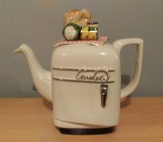 Teapots And Cups, Teacups, Teapots Unique, Royal Tea, China Tea Sets, Ceramic Teapots, Chocolate Pots, Tea Cakes, Tea Accessories