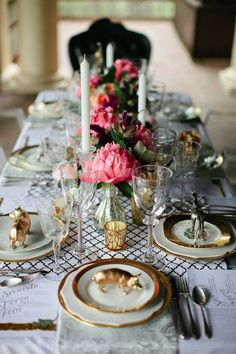 Black and White, Pink and God tablescape