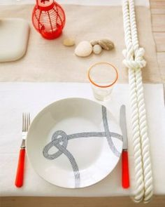 This nautical table setting from Martha Stewart will look great for a of July party with its red, white and blue tones. Nautical Table, Nautical Party, Nautical Wedding, Table Nautique, Nautical Knots, 4th Of July Party, July 4th, Deco Table, Deco Design