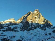 Cervino 16 dicembre 2013 #cervino #breuilcervinia #valtournenche #aostavalley #italy #mountains #mountain #mountainphotos #alps #alpi #alpinismo #skyrunning #runner #running #instarunners #sportdimontagna #landscape #instatrail #mountainlover #skyrace