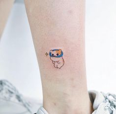 28 small tattoo ideas from studio by sol tattoos милые тату, Mini Tattoos, Small Tattoos, Finger Tattoos, Body Art Tattoos, Sleeve Tattoos, Tatoos, Form Tattoo, Shape Tattoo, Funny Tattoos