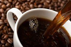 Най-популярната тонизираща напитка в света е открита случайно и дълго време е била забранявана от религиозните догми:    Желаем ви прекрасен ден с чаша ароматно кафе :)
