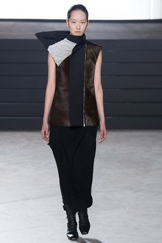 rick-owens-rtw-fw15-runway-22  structure, texture,