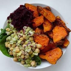 /avo/hummus salad and shredded beet. For the salad, mash ¼ avocado ...