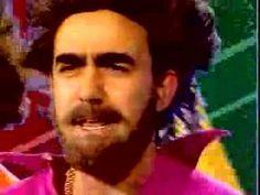 Elio e le Storie Tese - Nessuno allo Stadio _ videoclip 1994