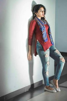 telgu model this is & side view by an indian College Girl Fashion, Girl Fashion Style, Indie Fashion, College Outfits, College Wear, College Girls, Kurti Designs Party Wear, Stylish Girl Pic, Indian Models