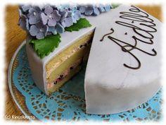 Kinuskiemon onnenkakku  #äitienpäivä #mothersday #leivonta #kakku #resepti #ohje #mustaherukka