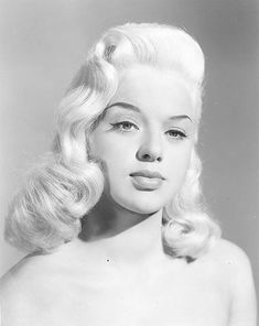 Golden Age Of Hollywood, Vintage Hollywood, Hollywood Glamour, Classic Hollywood, Diana Dors, Vintage Glamour, Vintage Ladies, Vintage Woman, Vintage Beauty