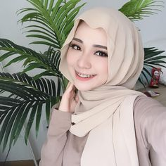 Modest Fashion Hijab, Modern Hijab Fashion, Street Hijab Fashion, Casual Hijab Outfit, Hijab Chic, Muslim Fashion, Beautiful Muslim Women, Beautiful Girl Indian, Beautiful Hijab