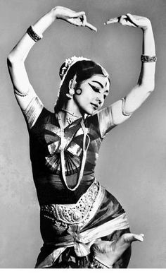 Yamini strikes a pose in Bharatanatyam. Mother India, Indian Classical Dance, Costumes Around The World, Exotic Dance, Vintage India, Vintage Bollywood, Dance Photography, Vintage Photography, Shall We Dance