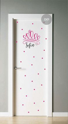 Recursos para cambiar de habitación: de niños a adolescentes – Deco Ideas Hogar Baby Bedroom, Girls Bedroom, My Room, Girl Room, Princess Room, Bedroom Doors, Painted Doors, Door Design, Wall Stickers