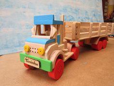 Caminhão carreta de madeira colorida