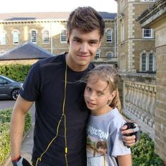 Liam and a fan.. Seriously am i the only one in love with his hair?