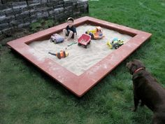 Seating that frames the sandbox. I like the idea of adding on seating to the basic sandbox underneath the boys' swingset. Build A Sandbox, Wooden Sandbox, Sandbox Ideas, Sandbox Diy, Backyard Projects, Outdoor Projects, Backyard Ideas, Backyard Play, Play Yard