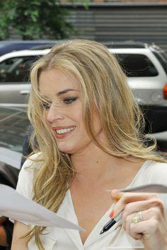 Rebecca Romijin Rebecca Romijn, Left Handed, Actors, People, Scorpio, Image, Folk, Gallery, Girls