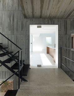 Takanawa House by Hiroyuki Ito