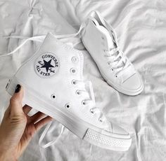 All white women's Chuck Taylor all star classic converse sneakers. At TheShoeCosmetics all white trainers are the canvas, the fresh face to a sneaker makeover. An all white pair of Converse tennis shoes are perfect canvas for a customized sneaker. Cute Shoes, Me Too Shoes, Mode Adidas, Shoe Boots, Shoes Heels, Women's Shoes, Basket Mode, Converse All Star, All White Converse