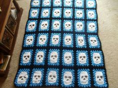 Someone's version of my Granny Skull Square. My ORIGINAL (and more detailed) version is available HERE: http://www.ravelry.com/patterns/library/grannys-skull-applique--10-afghan-square Imitation is the sincerest form of flattery :D