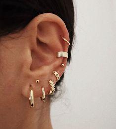 See more of bluesssalt's content on VSCO. Ear Jewelry, Cute Jewelry, Body Jewelry, Jewelery, Jewelry Accessories, Pretty Ear Piercings, Types Of Ear Piercings, Ear Piercing Combinations, Piercing Tattoo