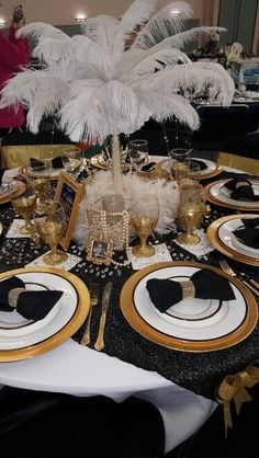 Love this for a Black and Gold themed tables for a 60th birthday party or gala!
