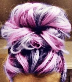 Messy Buns with Purple Hair Color - Girl Hairstyle Ideas - Looking for Hair Extensions to refresh your hair look instantly? KINGHAIR® only focus on premium quality remy clip in hair. Visit - - for more details Ombré Hair, Hair Dos, New Hair, Your Hair, Prom Hair, Color Fantasia, Hair Color Purple, Pink Purple, Light Purple