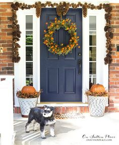 Easy DIY Fall Porch Decor Ideas   Tips and inspiration for welcoming fall to your front porch. Welcome your guests with the warm colors of the season.