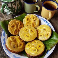 Resep camilan dari pisang istimewa Banana Recipes, Snack Recipes, Dessert Recipes, Cooking Recipes, Snacks, Healthy Recipes, Indonesian Desserts, Asian Desserts, Indonesian Food
