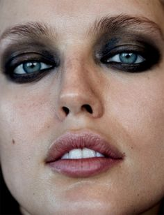 Emily DiDonato photographed by David Roemer for Narcisse Magazine  Stylist: Azadeh Zoraghi  Hair: Nicolas Eldin  Makeup:Frankie Boyd #inspiration #blog #blogger #tumblr #fashion #style #models #photography #vogue http://www.midnight-charm.com/