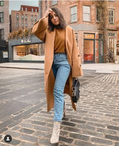 Back and jet lagged 😅 Spring Outfits, Winter Outfits, Winter Clothes, On Repeat, 2020 Fashion Trends, Camel Coat, Autumn Street Style, Winter Looks, Winter Style