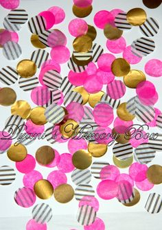 This lovely Tissue Circle Confetti floats beautifully through the air and drifts gently on the breeze!   Perfect for your Wedding Exit,
