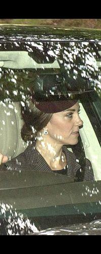 11 Sep 2016 - Driving to Crathie Kirk