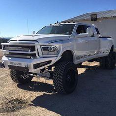 Amazing! #lowriding #lowridertruck #truck