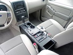 2006-2009 Ford Explorer Vehicle Console