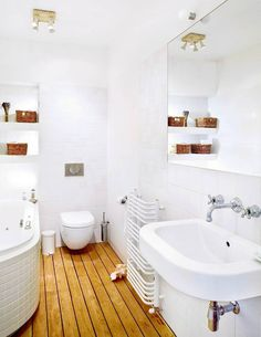 Idei și sfaturi pentru amenajarea băilor mici | Adela Pârvu - Interior design blogger Malaga, Powder Room, Bathtub, Room Decor, Interior Design, Bathrooms, Decorating Rooms, Homes, Interiors