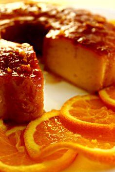 É um prazer colher as laranjas das árvores, levá-las para casa e fazer sobremesas especiais como esta Portuguese Desserts, Portuguese Recipes, Sweet Recipes, Cake Recipes, Dessert Recipes, Pudding Desserts, Best Food Ever, Recipe Today, Today's Recipe