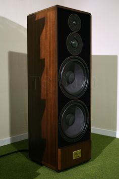 Audiophile Speakers, Hifi Stereo, Hifi Audio, Audio Speakers, Top Audio, Speaker Box Design, Radios, Audio Room, Diy Electronics