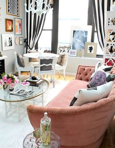 Eclectic Style Interior Design   Chic living room featuring a mix of styles and bold color combinations ...