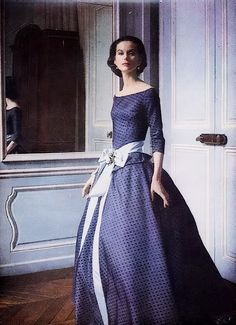vogue 1955. So pretty... Love this sweet dress❤