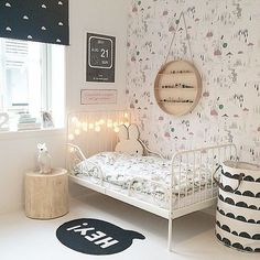 This shared girls' bedroom is sophisticated yet playful, practical yet whimsical. With a mix of old and new pieces, they've created a very personal space, where art prints are one of the room's focal points. Girls Bedroom, Bedroom Decor, Childrens Bedroom, Design Bedroom, Bedroom Wall, Bedroom Ideas, Deco Kids, Little Girl Rooms, My New Room