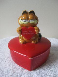 Vintage Garfield Valentine Candy Dish by by VintageByThePound, $16.00