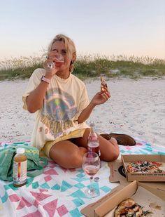 Summer Feeling, Summer Vibes, Into The Wild, Mode Hippie, Foto Casual, Summer Goals, Summer Dream, Summer Aesthetic, Summer Bucket