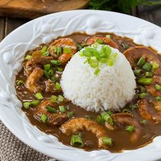 A rich and flavorful Shrimp Etouffee made with a dark roux will bring a little taste of New Orleans to your kitchen. Creole Recipes, Cajun Recipes, Healthy Recipes, Fish Recipes, Seafood Recipes, Cooking Recipes, Kitchen Recipes, Hallumi Recipes, Hotdish Recipes